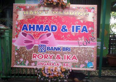 Papan karangan bunga ucapan pernikahan